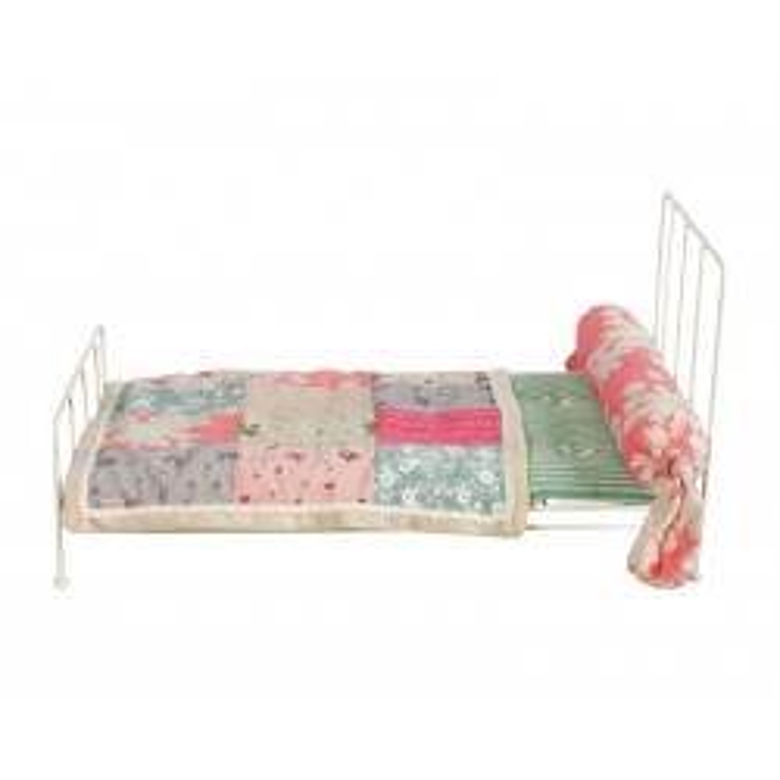 Maileg Romantisk seng, medium kaniner, cremefarve inkl. sengetøj-20